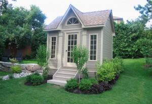 маленький участок с домом
