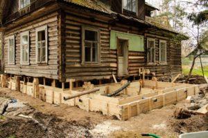 Что можно отремонтировать в деревянном доме